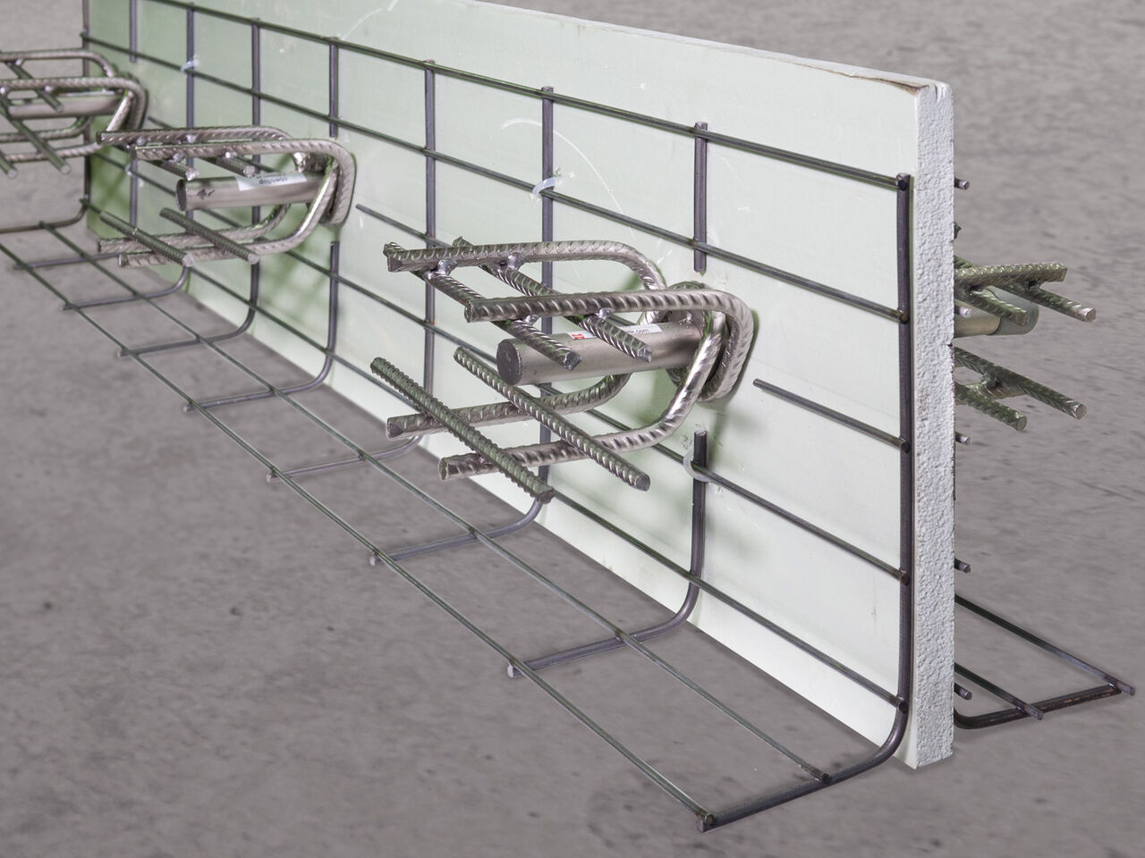 Formwork elements for expansion joints Stremaform® with shear force transmission