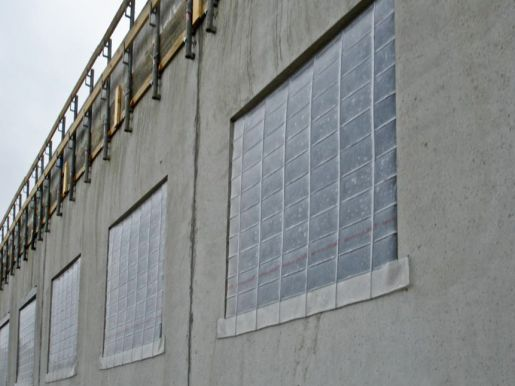 Weather protection screens Pecafil®