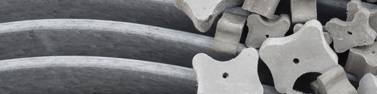 Fibre concrete spacers